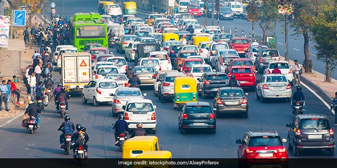 Delhi Government Extends 'Red Light On, Gaadi Off' Campaign Till November 30