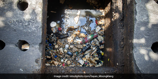 Stop Littering Roads In Andhra Pradesh's Kakinada Or Get A Stinking 'Return Gift' From The Municipal Corporation