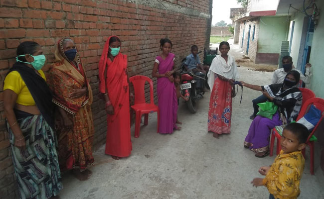 Internet Saathis In Bihar Are Helping The Community Fight COVID-19 Pandemic By Educating About Hygiene Measures