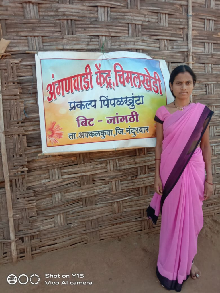 An Anganwadi Worker From Maharashtra Rows 14 km Daily To Provide Support To Expecting Mothers And Newborns
