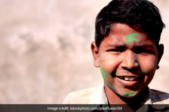 Holi 2021 Experts Recommend Against Celebrating Holi During COVID-19, Call To Stay Home