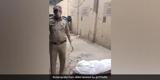 'Feel Assisting People In Distress My Duty': Delhi Police ASI Who Helps Cremate People Who Died Of COVID-19