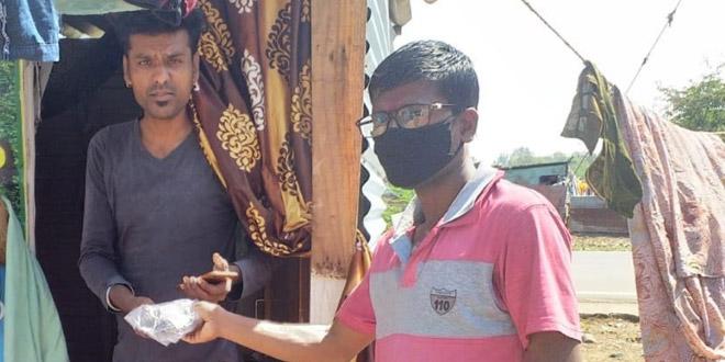 WASH योद्धा: मिलिए 45 वर्षीय गणेश नागले से, जो भोपाल में झुग्गी-झोपड़ी में रहने वाले लोगों को स्वच्छता सुविधाओं से वंचित नहीं रहने देना चाहते