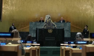 'Don't Choose Extinction,' In Viral Video Dinosaur Urges World Leaders At The UN General Assembly Podium