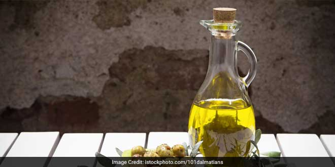 Olive oil is rich in monosaturated fats