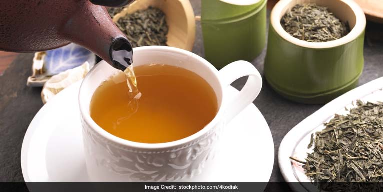 Daily consumption of a cup of tea can significantly reduce a person's risk of developing neurocognitive disorders in late life, researchers at the National University of Singapore said